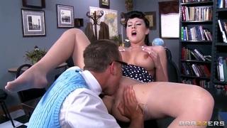 Alexis Grace is sucking a nice cock of Van Wylde
