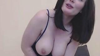 Pornstar fucks her pussy on camera