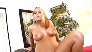 Sexy darling enjoy pleasuring stud with rod riding