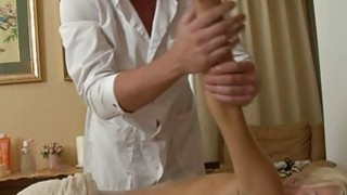 Carnal oil massage makes gal give wet oralservice
