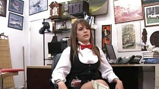 Card dealer gets pounded by horny pawn man for 600 dollars