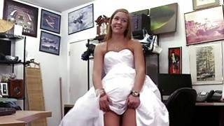 A sexy slut fucked in the pawnshop