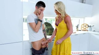 She Ain't Fraid Of Big Dick: MILF Sydney Hail Gets After It