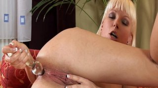 Lena Cova is in right mood for pussy and anal masturbation