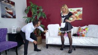 Nipple-pierced maid Kali Roses gets her cunt slammed