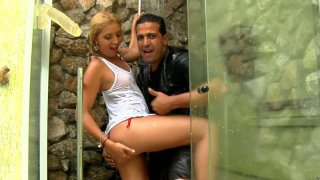 Bootylicious hooker Pryscila Brandao turns cunnilingus into a doggy fuck
