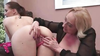 Lyen Parker loves busty fat granny