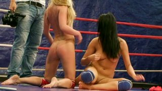Bailee and her opponent eat pussies on the wrestling ring
