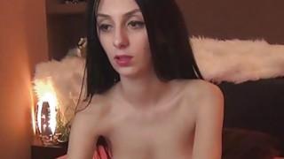 Hot and Sexy Cam Babe Masturbate