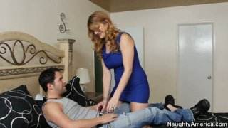 Horny cougar woman Robbye Bentley blows and gets her muff eaten