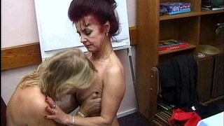 Fucking ugly bitch Cynthia Sophia eats the wet pussy of horny woman